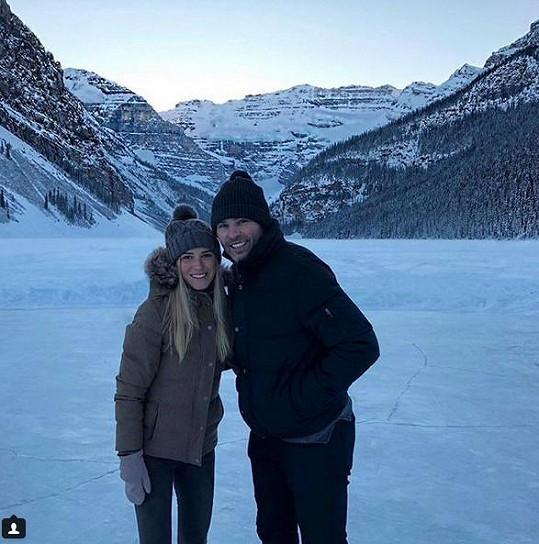 Veronika Kopřivová a Jaromír Jágr si užívají společný výlet.