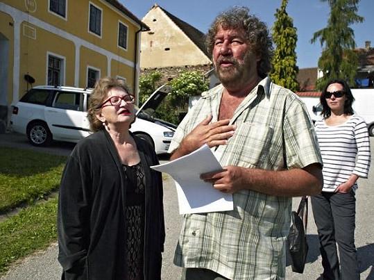 Jana Synková s režisérem Babovřesek Zdeňkem Troškou.