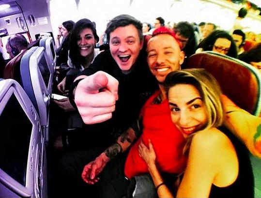 Do Thajska Andrea vyrazila s přítelem Kazmou. Společnost jim dělal Jakub Bína s partnerkou.