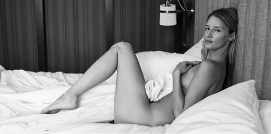 Linda Vojtová se pochlubila sexy snímkem.