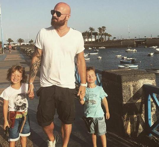 Samozřejmě s manželem Karlem a syny Maxem a Brunem