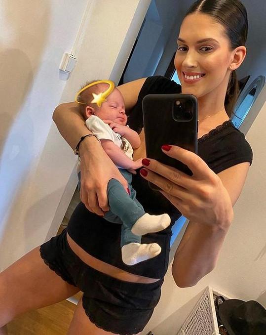 Aneta vypadá po porodu skvěle.