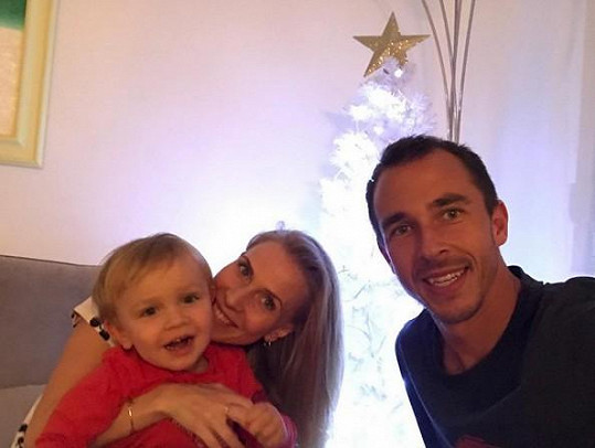 Michaela Ochotská, Lukáš Rosol a jejich syn André na fotce z Vánoc. Už tehdy procházeli velkou krizí a sešli se zřejmě jen kvůli synovi.