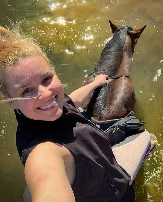 Po delší době si také dopřála jízdu v koňském sedle.