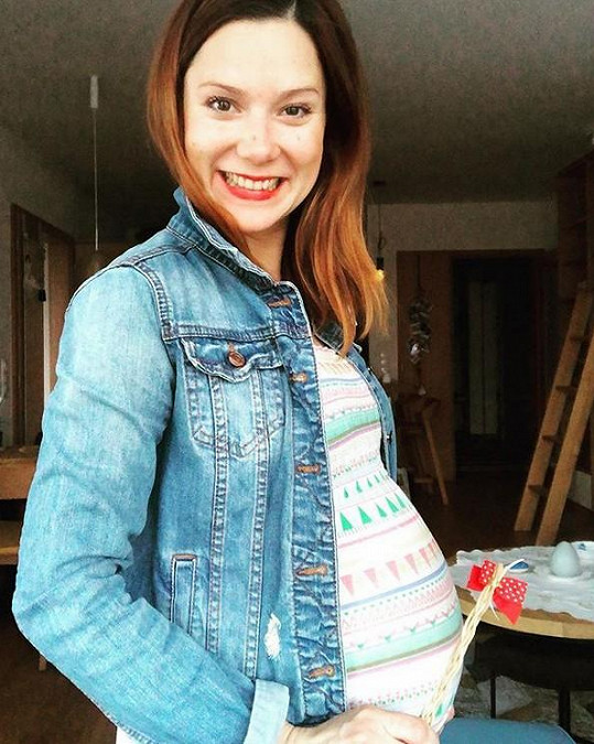 Korolová bude už brzy maminkou.