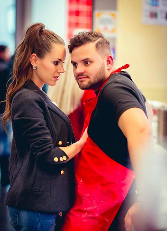 Ezy Hýbl s herečkou z nejnovějšího klipu