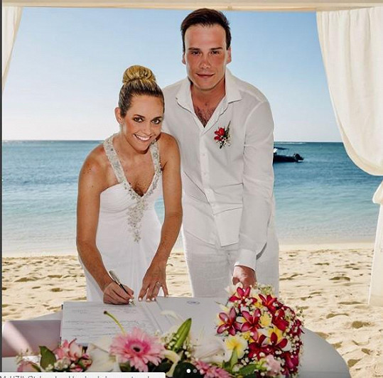Petr Suchoň a Klára Koukalová se vzali na Mauriciu.