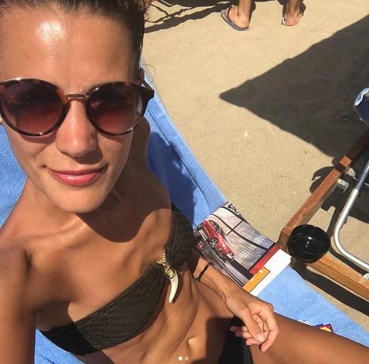 Monika Timková se ukázala v plavkách.