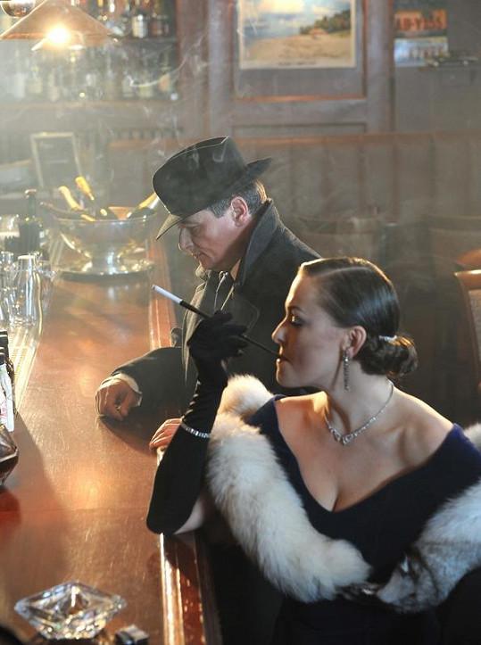 David Rath při natáčení s herečkou Andreou Černou.