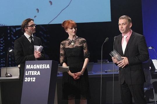 Aňa Geislerová a Jiří Havelka s vítězem ceny za poezii.