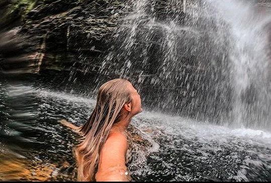 Koupačka u Falls of Falloch