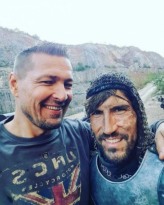 Petr Jákl s Davidem Svobodou na place
