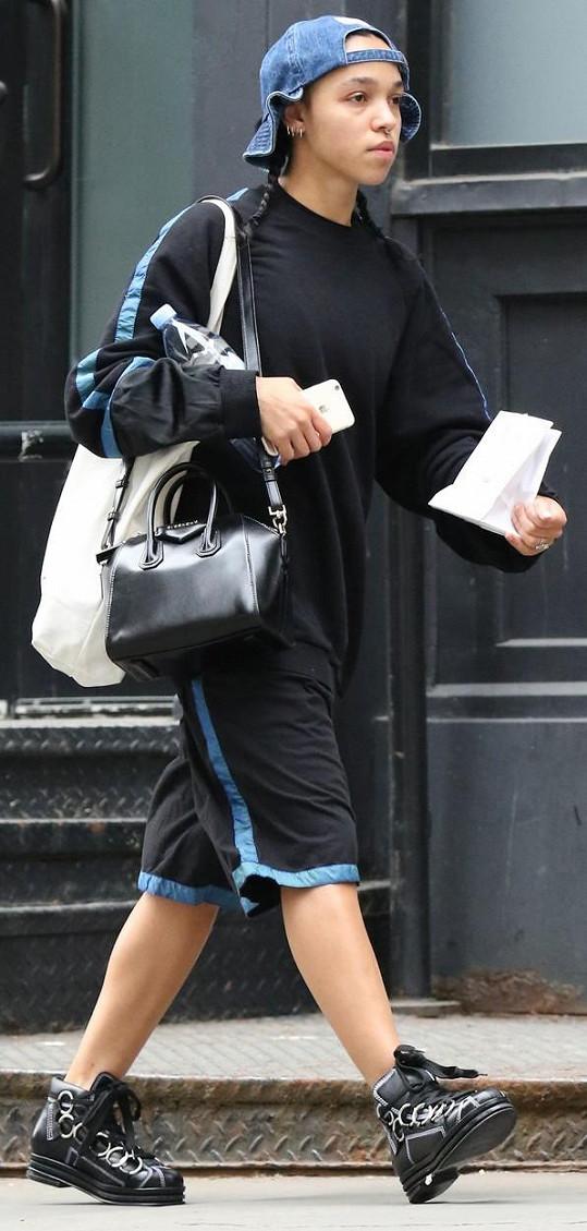 Snoubenka Pattinsona v New Yorku