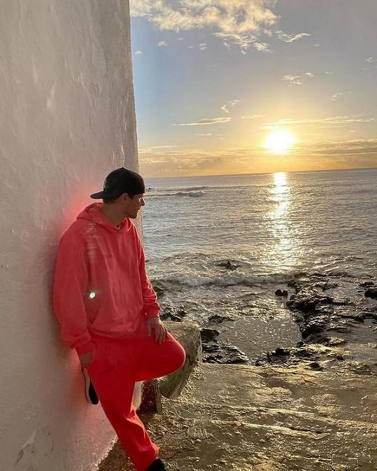 Na Kanárské ostrovy, přesněji na Lanzarote, se podíval Leoš Mareš.
