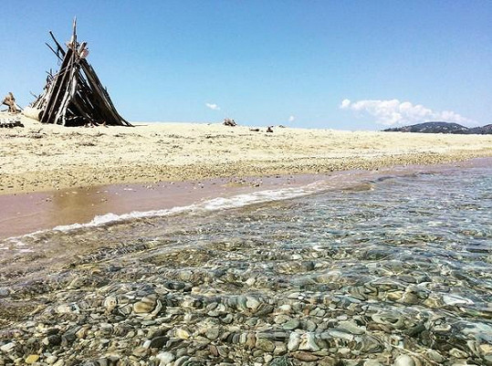 Pláž měli Karolína a Vladimír jen pro sebe.