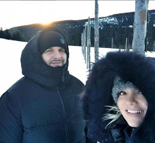 Rytmus a Dara si užívají na horách.