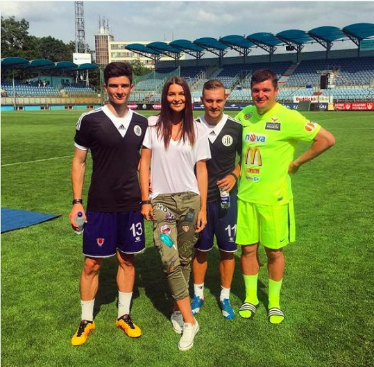 Všichni muži České Miss 2015 se věnují fotbalu.