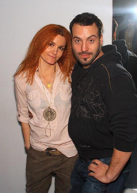 Noid a zpěvačka Iva Marešová.