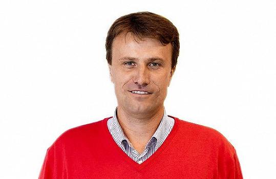 Pavel Poulíček dnes moderuje golf.