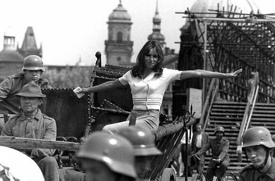 Marta Kubišová roku 1969 v televizním medailonku.