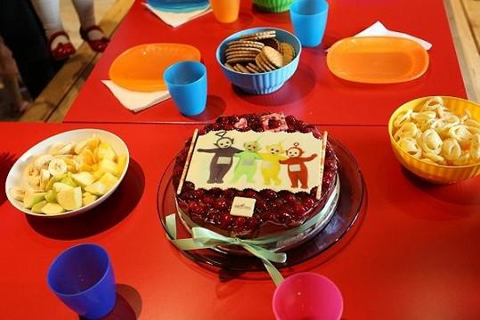Na dortu byly Claudinčiny oblíbené postavičky.
