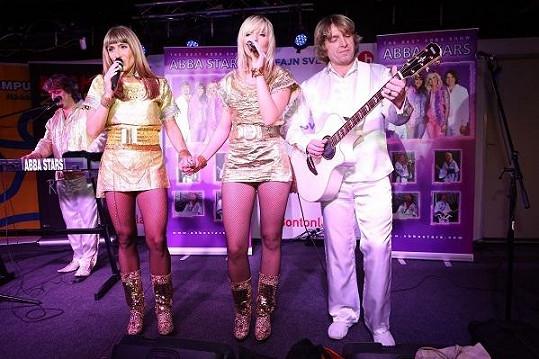 Abba Stars při vystoupení.