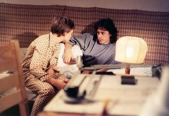 Marek Brodský v seriálu Křeček v noční košili (1988).