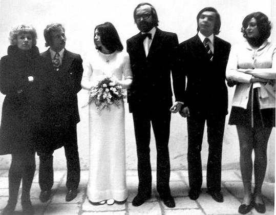 Svatba Marty Kubišové, na které nechyběl Václav Havel s manželkou Olgou.