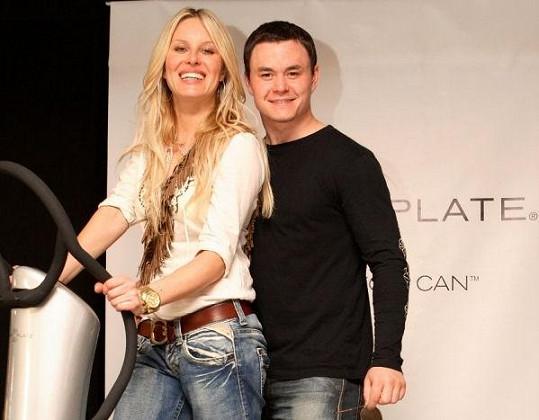 Hokejista Jiří Hudler žil po Agátě dva roky s modelkou Simonou Krainovou.