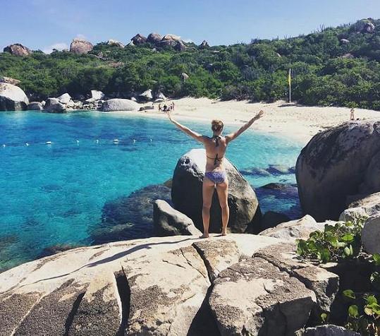 V Karibiku našla pohodu a klid.