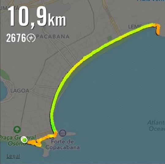 Mareš na pláži Copacabana běhal slušné vzdálenosti.