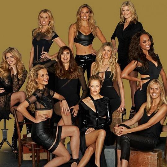 Část z 22 modelek, který byly tvářemi Sport Illustrated.
