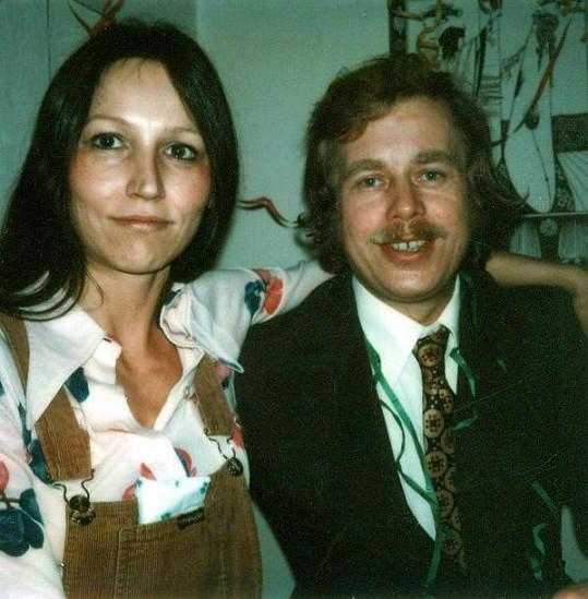 Marta Kubišová roku 1973 s Václavem Havlem.