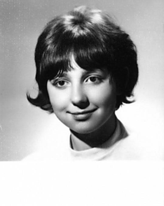 Eva Hurychová na první fotce na občanku