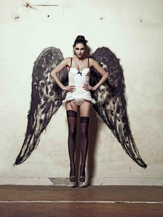 Hana Svobodová jako andílek s ďáblem v těle.