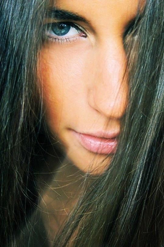Blanka má krásné oči i rty.