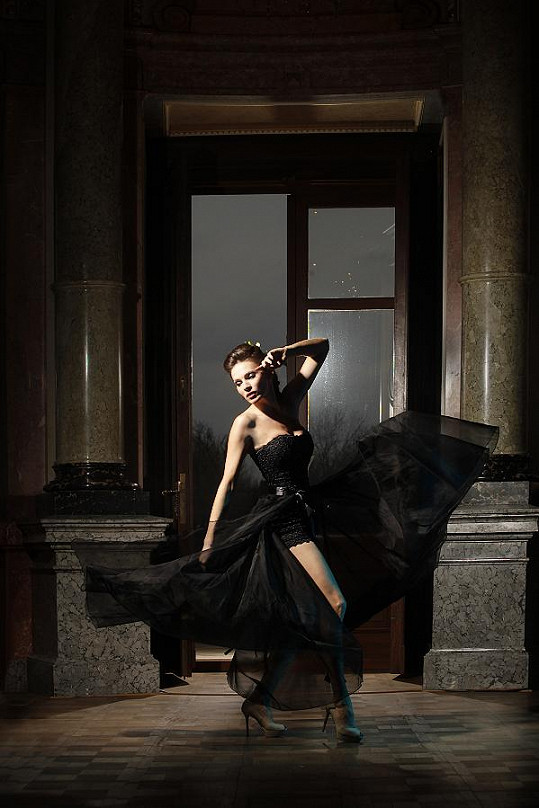 Dynamická fotka krásné Andrey v modelu Renaty Burianové