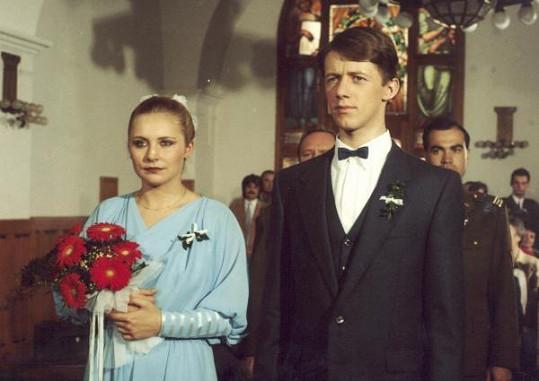Veronika jako Vlasta ve filmu Copak je to za vojáka (1987).