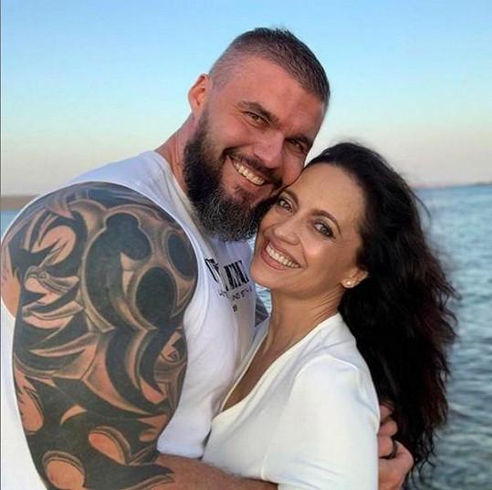 Dovolenou zpěvačka tráví s partnerem Radkem Filipim.