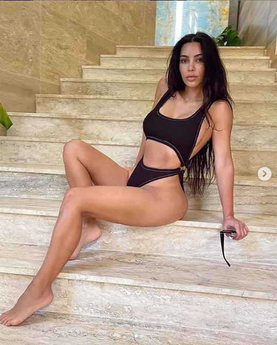 Kim Kardashian předvedla nenalíčenou tvář.