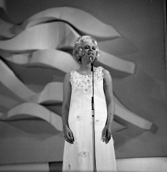 Marcela Laiferová roku 1968 na Bratislavské lyře. O dva roky později na festivalu zvítězila.