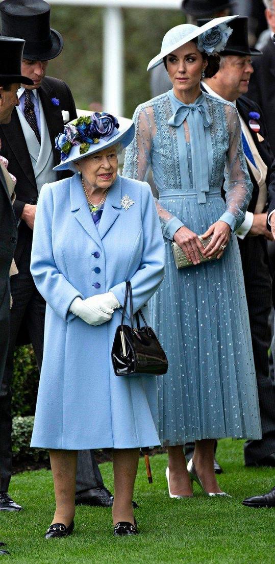 Na zahájení nechyběla ani britská královna Alžběta II.