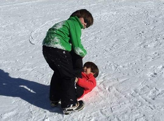 Na sněhu dovádějí i její dva synové, které má s brankářem Gigim Buffonem.