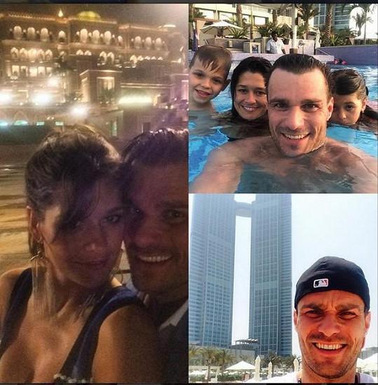 Mareš a Faltýnová uspořádali pro děti v Emirátech rodinnou dovolenou.