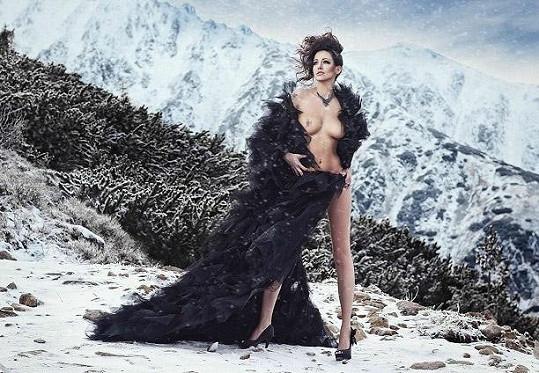 V Nízkých Tatrách se neváhala ukázat nahoře bez...