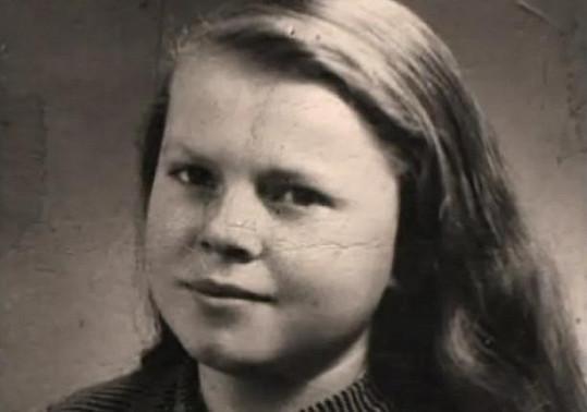 Mladá Iva Janžurová. Podoba s dcerou Sabinou se nezapře.