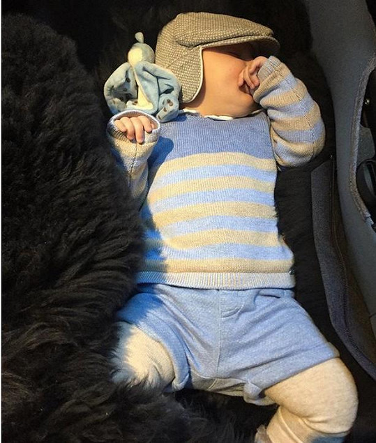 Nedávno se na Instagramu pochlubila malým Theodorem.