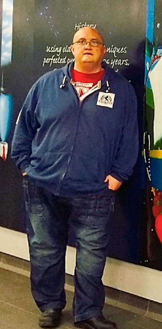 Brian vážil 177 kilogramů.