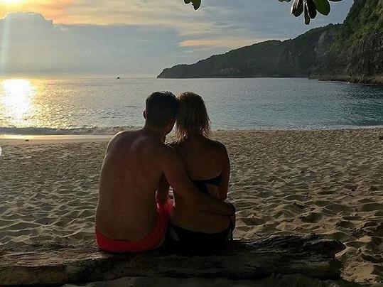 Pár spolu otestoval vztah i na několika dovolených.