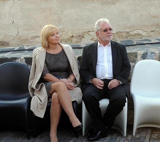 Jaromír Hanzlík s partnerkou